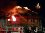 berzo demo incendio notte distrugge rifugio loa