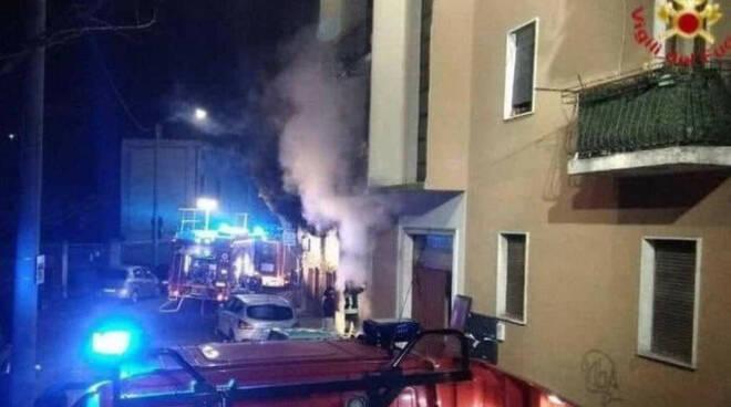 Brescia palazzina inagibile incendio famiglie fuori casa