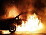 Desenzano ricercato fuoco auto carabinieri