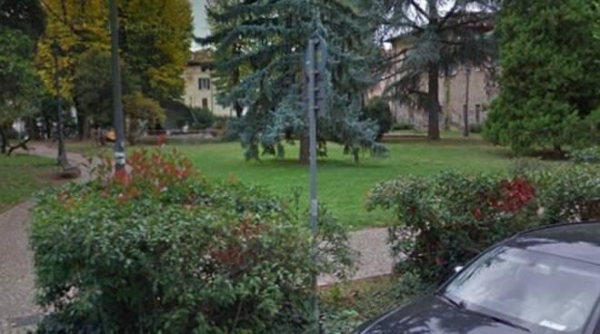 Brescia 14enne beccato hashish giardini Fallaci