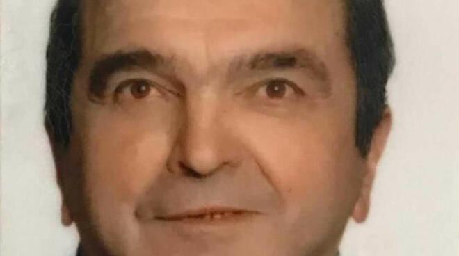 Casto scontro con Apecar fuori benzinaio Muore 81 anni