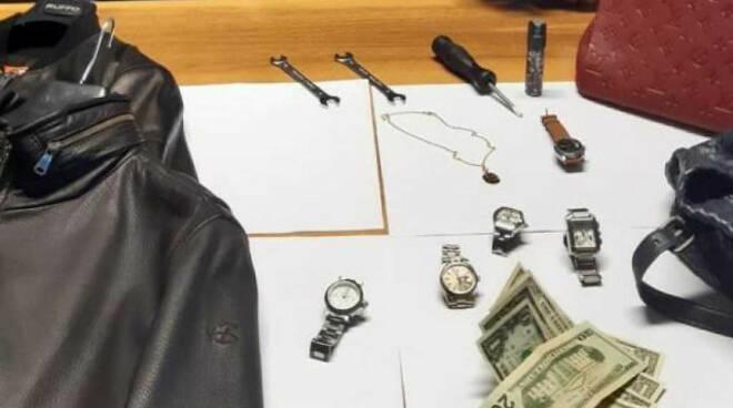 Desenzano vicina casa sventa furto fa arrestare ladri