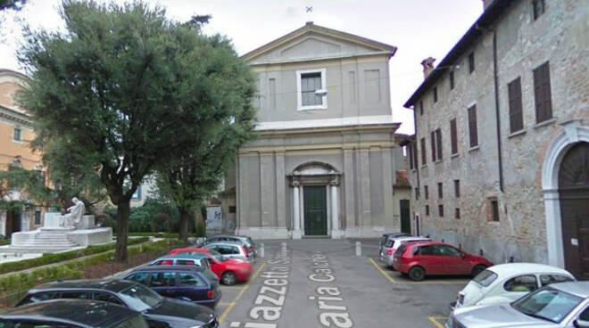 Vento Brescia volano calcinacci Santa Maria Calchera