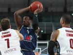 Basket Brescia perde contro Venezia saluta Eurocup
