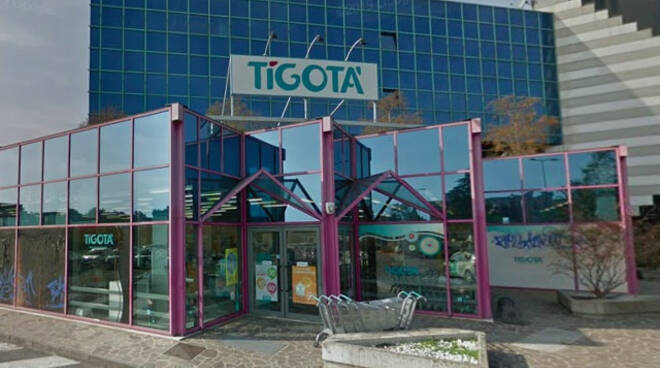 Brescia rapina il Tigotà di via Salgari e poi fugge