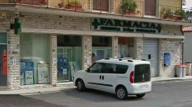 Gavardo armato di coltello rapina farmacia arrestato