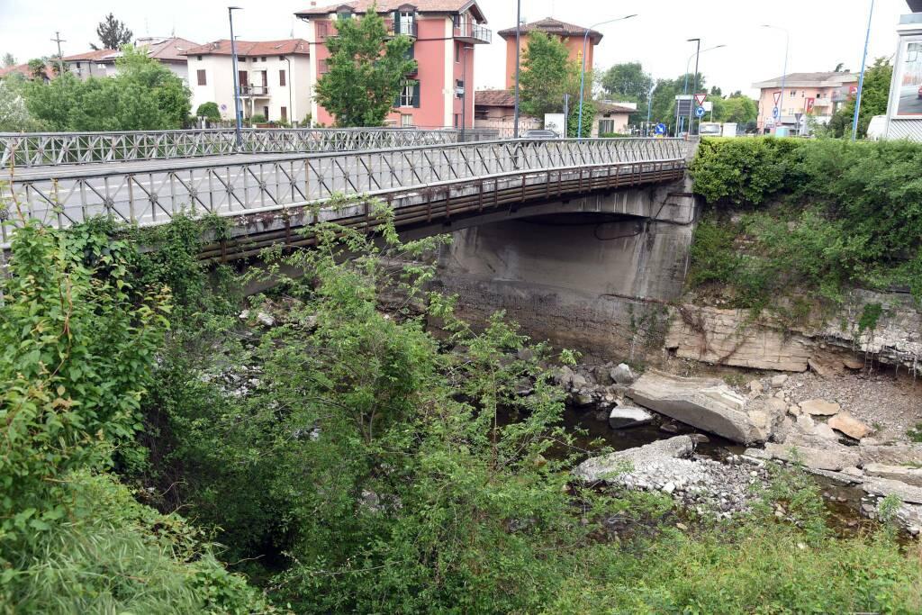 ponte via milano