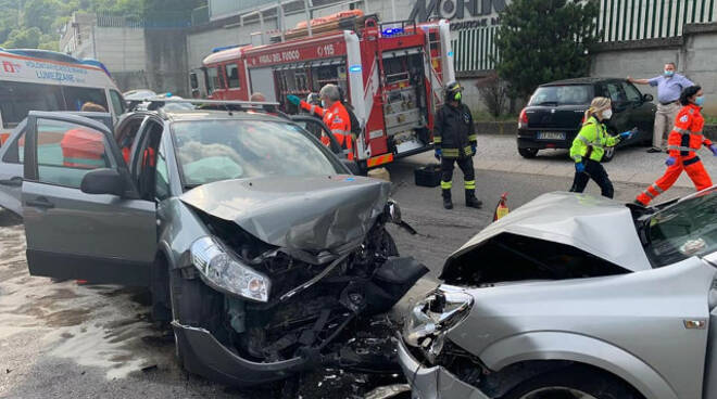 Lumezzane frontale in via Brescia 94enne muore infarto