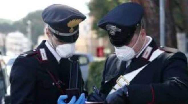 Rischio assembramenti nel primo weekend controlli delle forze dell ordine