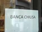 Bassa Bs clienti inferociti contro le filiali di banca ancora chiuse