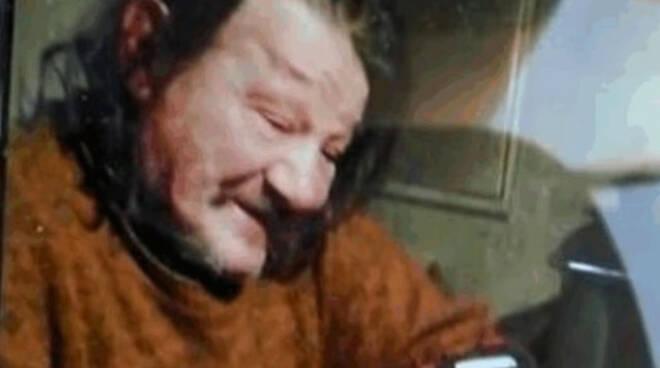 Esine ucciso a colpi di roncola per una sigaretta Storia di degrado