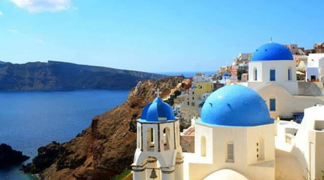 Vacanze in Grecia a giugno la Lombardia tra le regioni in black-list