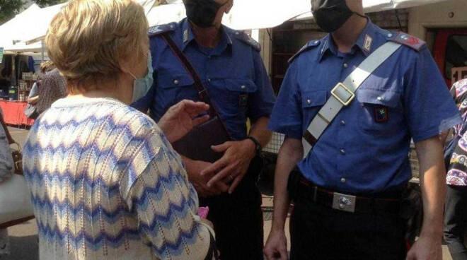 Valcamonica finti abbracci e furti con destrezza 43enne arrestata