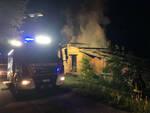 Agnosine scoppia incendio in un fienile si indaga su atto doloso
