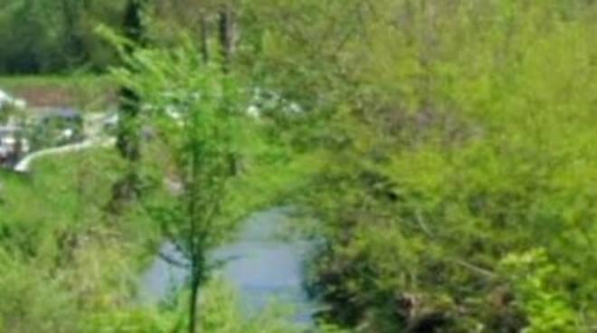 Odolo chiazza nera nel torrente Vrenda Arrivano Polizia e Arpa