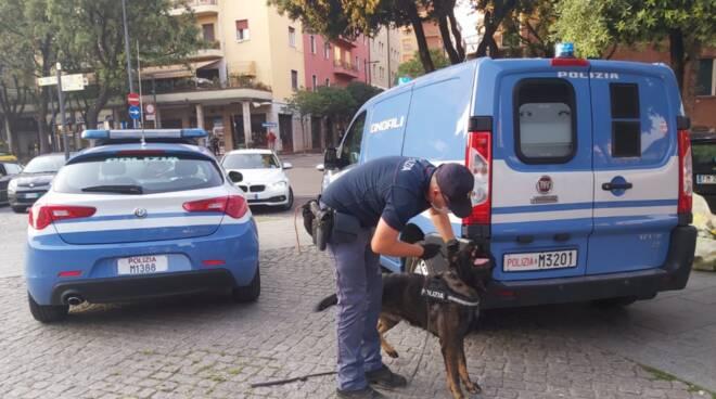 polizia in stazione a Brescia