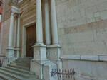 Brescia pezzi di cornicione cadono dalla chiesa di Sant Agata