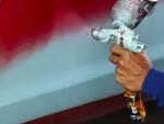 Gavardo sviene mentre vernicia un container di un azienda