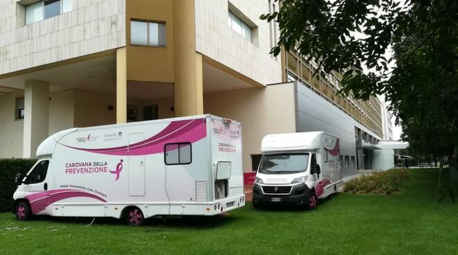 prevenzione unità mobile per mammografia