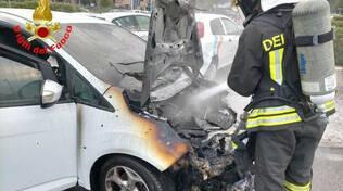 Brescia tamponamento tra auto al Prealpino Una prende fuoco