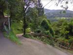 Artogne auto fuori strada tra i boschi due donne ferite