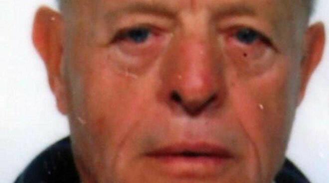 Castegnato malore in moto e finisce contro un albero muore 81enne
