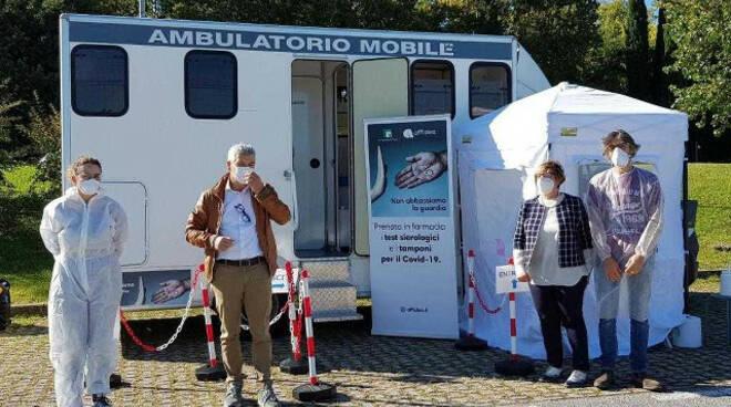 Coronavirus sierologico e tampone nel camper Federfarma nelle piazze