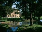 Flero conigli morti in un parco Il Comune chiude Villa Grasseni