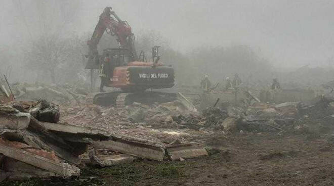 Calvisano crolla stalla a Mezzane morti oltre cinquanta maiali