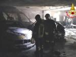 Gavardo fiamme in un parcheggio interrato Due auto distrutte