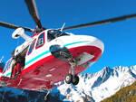 Pilota bresciano di parapendio precipita e muore in Valle Aosta