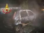 Vobarno Vvf tra auto in fiamme e il corpo senza vita di un uomo