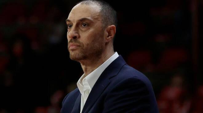 Basket serie A Vincenzo Esposito esonerato dalla Germani Brescia