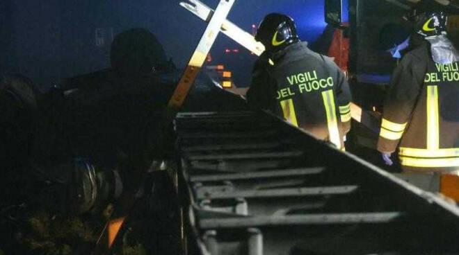 Incidente mortale in A21 chi erano le due vittime Altri due in ospedale