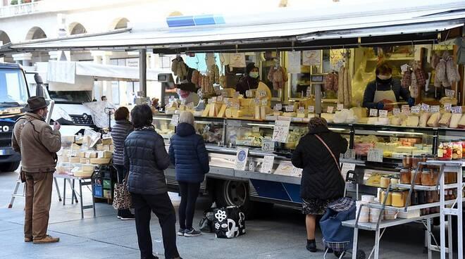 Mercato Piazza Vittoria Brescia