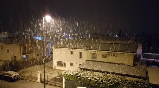 Meteo arrivate le prime nevicate nella notte nel bresciano