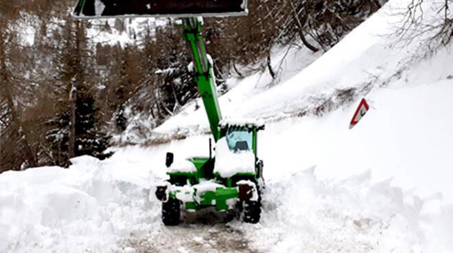 Neve sp345 Delle Tre Valli