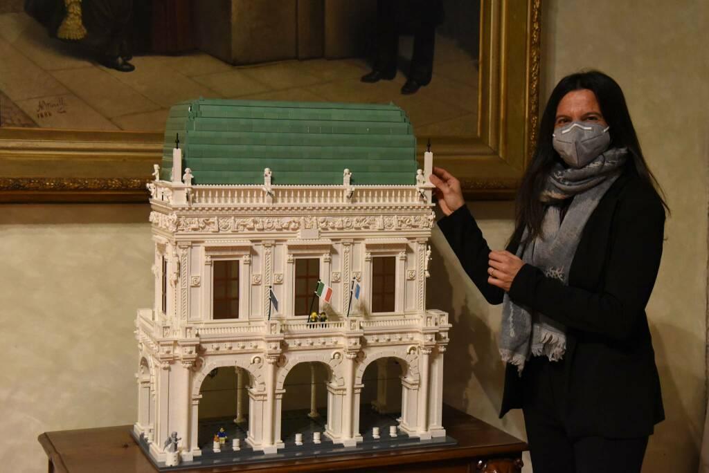 Palazzo Loggia entra nell'universo Lego grazie alla passione di un medico bresciano