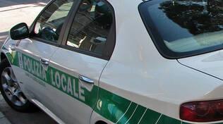 Palazzolo fugge dopo ribaltamento in auto e si presenta alla Polizia