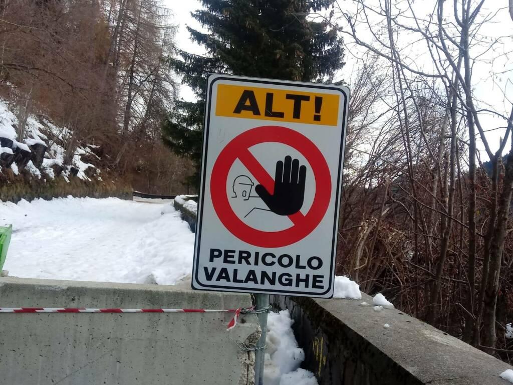 "valanghe SP345 ""Delle Tre Valli"""