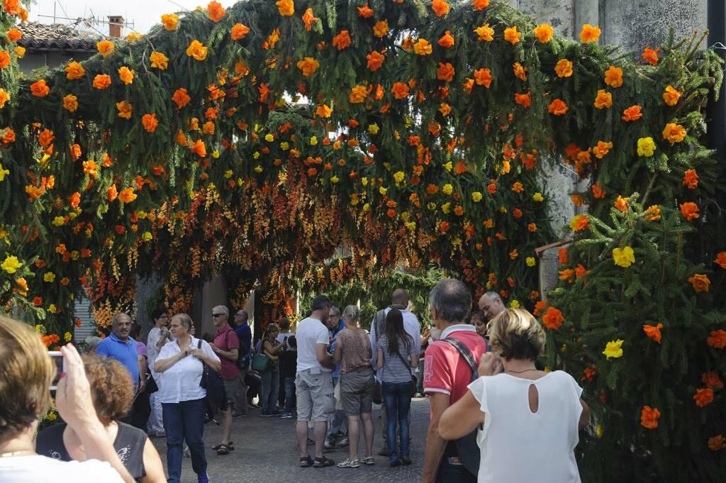 Carzano festa santa croce Montisola