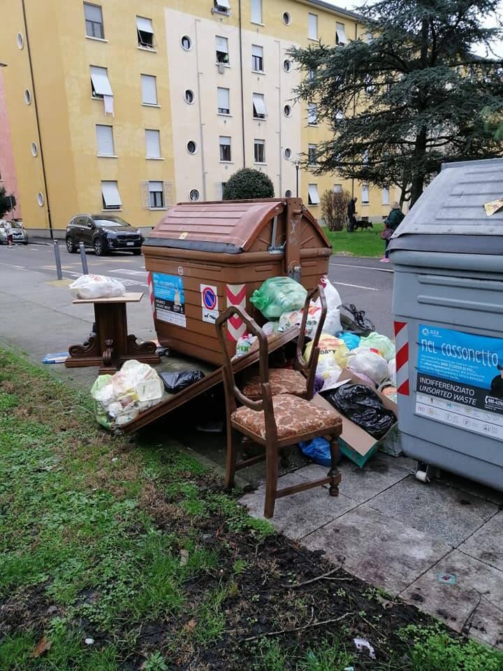 Immondizia Rifiuti Degrado Brescia