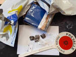 Prevalle ritirano pacco di droga dal corriere e scappano senza pagare