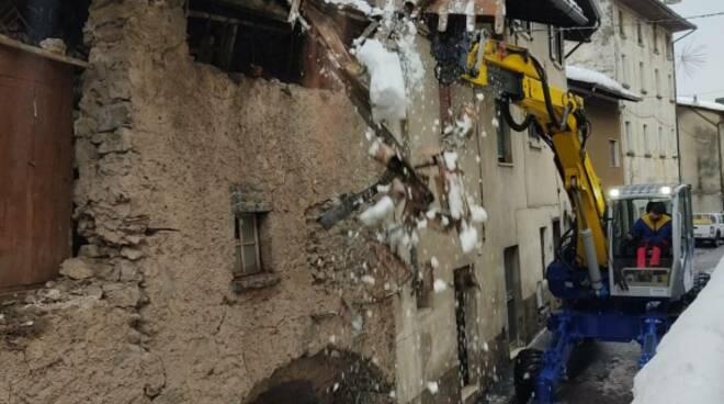 Treviso Bresciano casa diroccata blocca statale sp 56
