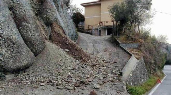 Venerdì e sabato di piogge smottamenti e crolli alto Garda