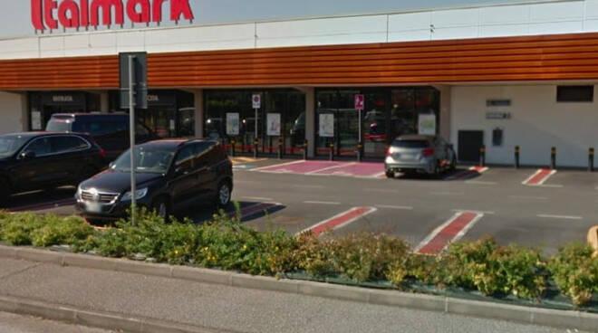 Verolanuova botto al bancomat del supermercato Ladri via con i soldi