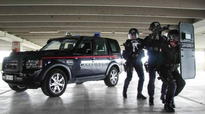 carabinieri aggressione a desenzano