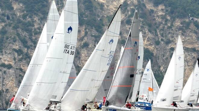 Classe Dolphin vela Regata Gargnano