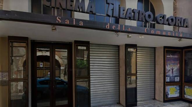 Montichiari 17enne ferito da fiammata a prove spettacolo in teatro