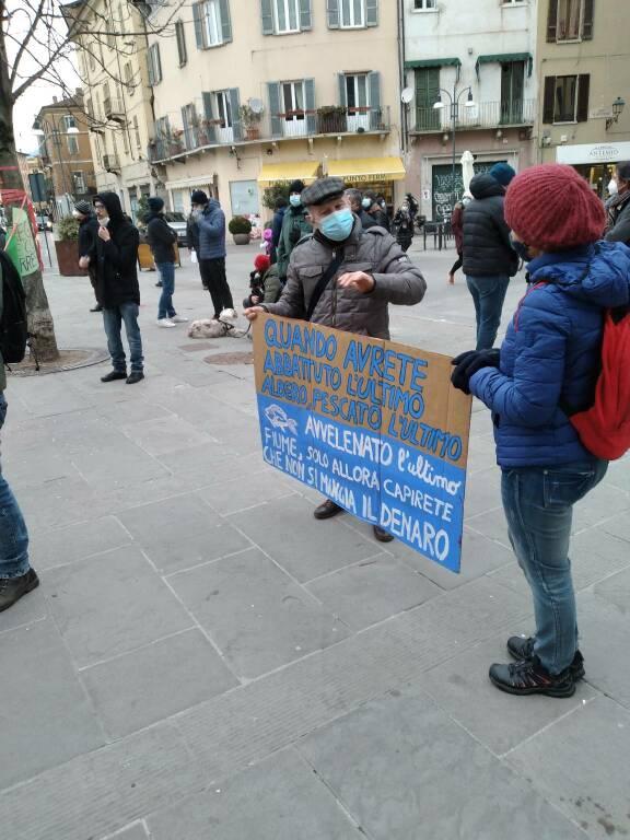 Presidio ambientalista Brescia amabinete basta veleni caffaro